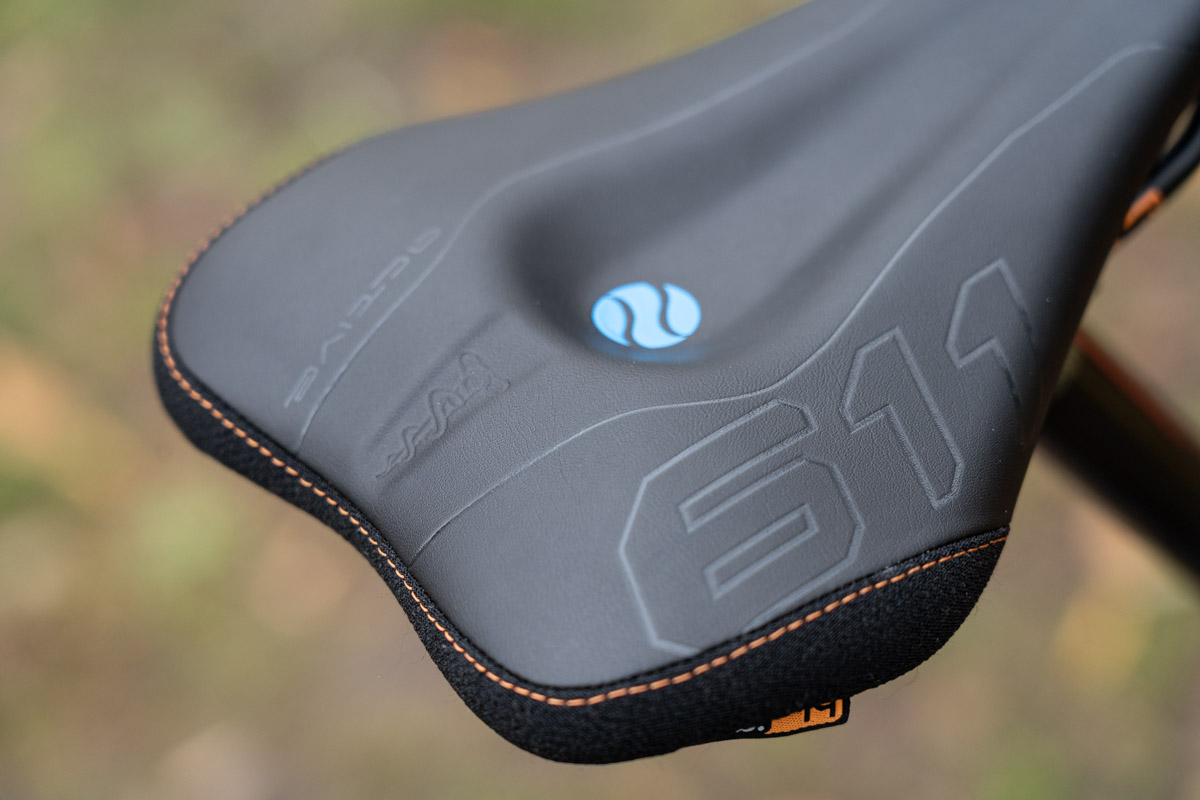 Review SQ Lab 611 Ergowave Active Quality Back of the Saddle
